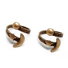 10883b-brass-adjustable-ring-with-moon-and-star.jpg