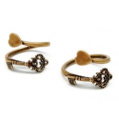 10894b-brass-adjustable-ring-with-key-and-heart.jpg