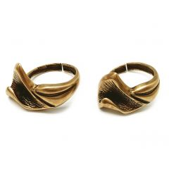 8781b-brass-adjustable-ring-with-flowers.jpg